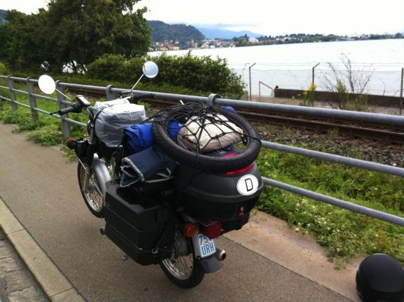 touren mit dem motorroller motorrad oder. Black Bedroom Furniture Sets. Home Design Ideas
